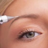 Augenbraue Härchenzeichnung